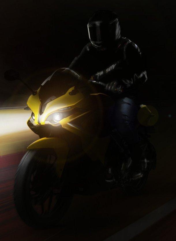 Pulsar RS 200 motosiklet